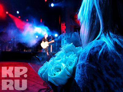 Диане дарили розы - и белые, и красные